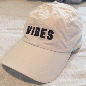 "PINK Victoria Secret hat ""Vibes"" 🧢✌🏼"